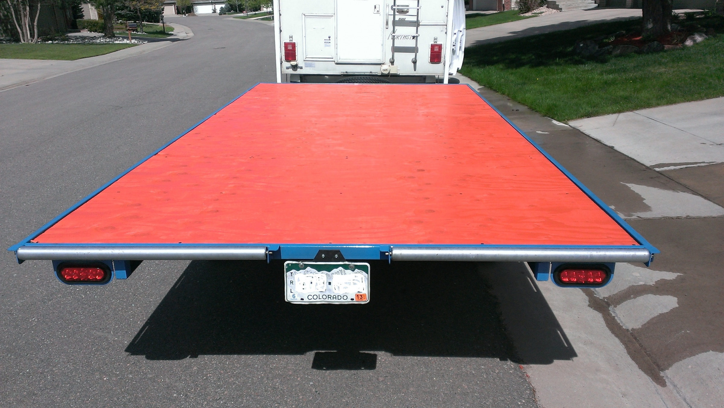 Click image for larger version  Name:03 - Raft Trailer.jpg Views:973 Size:1,020.1 KB ID:8020