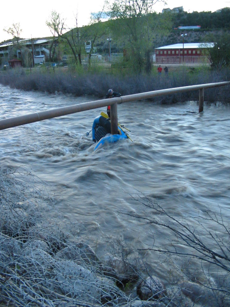 Click image for larger version  Name:05-18-08 River Rescue (10).JPG Views:371 Size:150.5 KB ID:478
