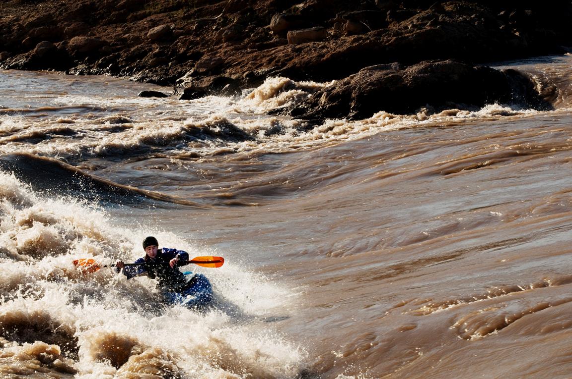 Click image for larger version  Name:Andrew big side surf.jpg Views:118 Size:602.5 KB ID:3310