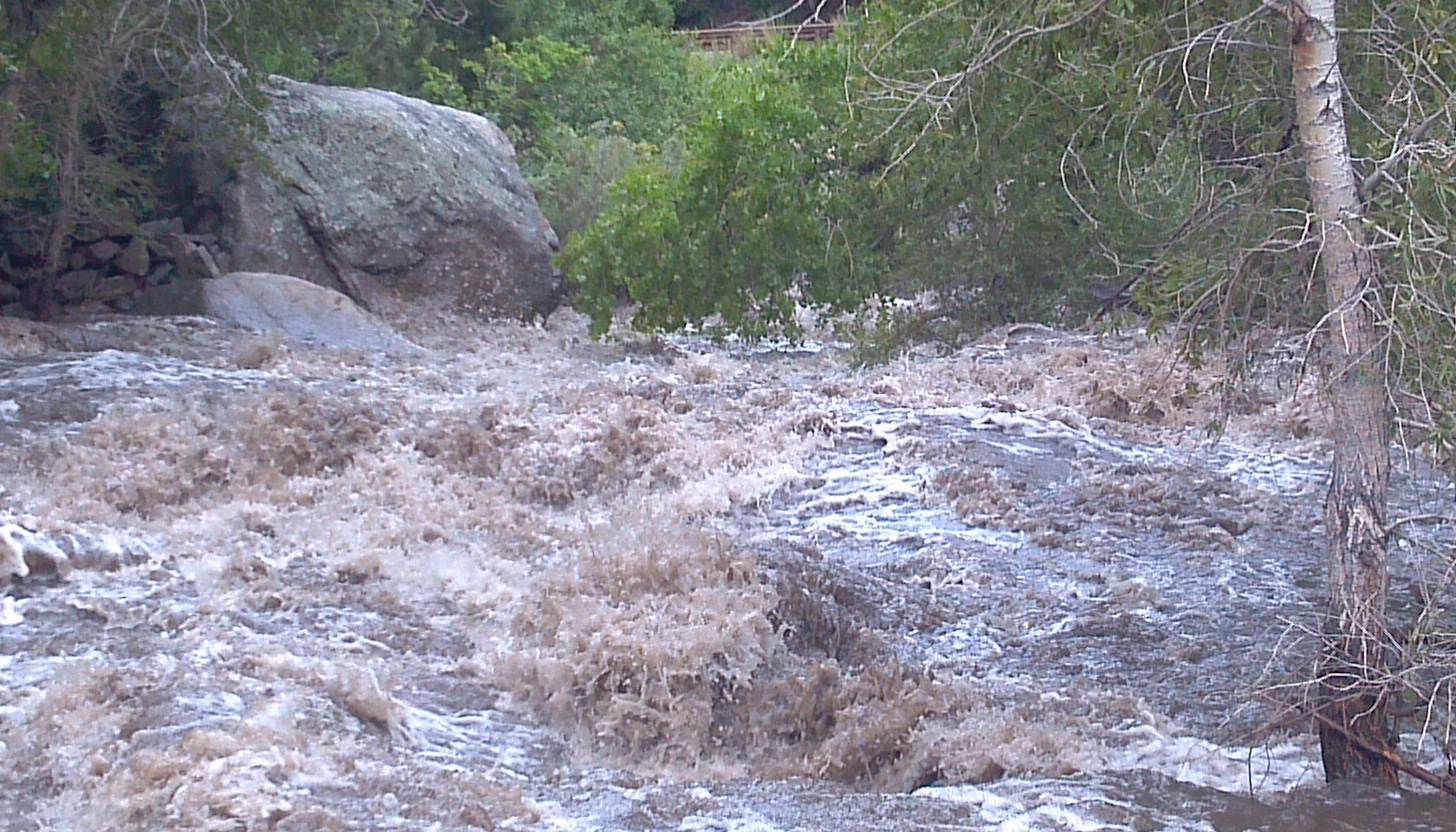 Click image for larger version  Name:boulder creek2.jpg Views:183 Size:655.8 KB ID:3842
