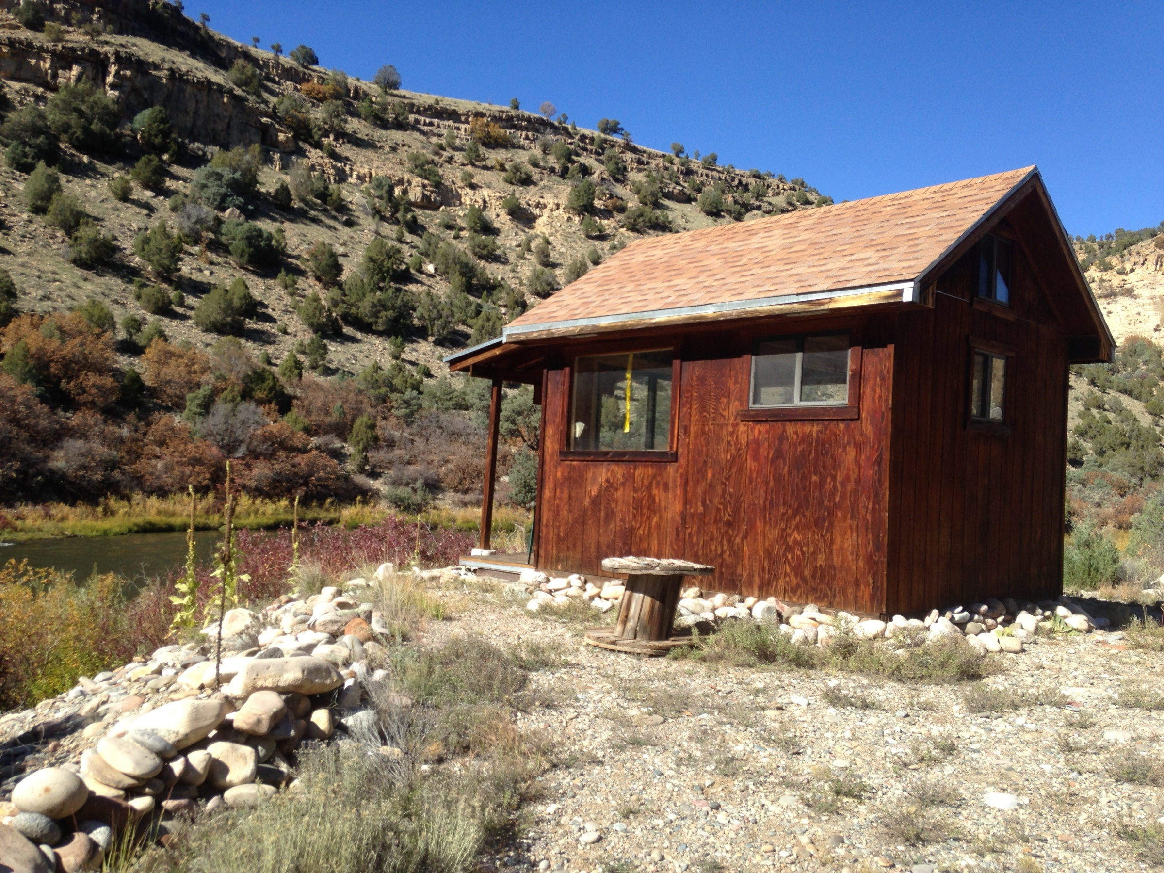 Click image for larger version  Name:cabin.jpg Views:152 Size:1.72 MB ID:10178
