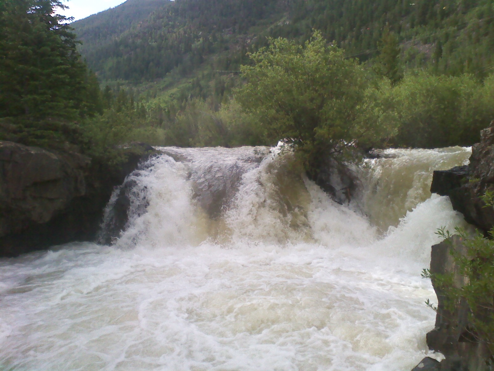 Click image for larger version  Name:coors falls 1.jpg Views:194 Size:347.6 KB ID:3828