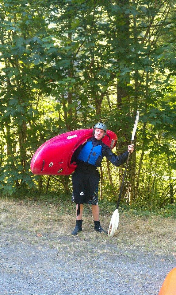Click image for larger version  Name:danny kayak.jpg Views:94 Size:218.7 KB ID:5362