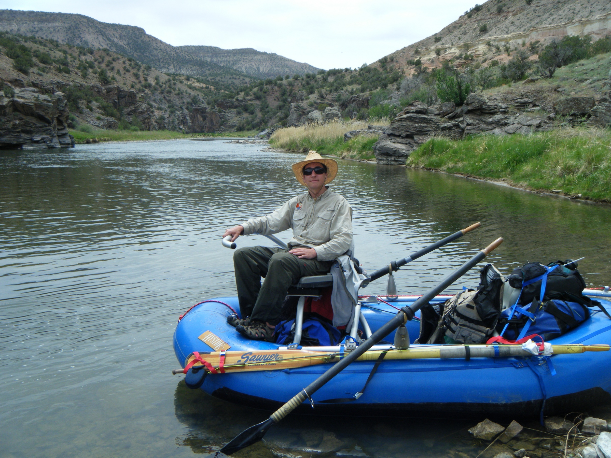 Mini max for low water yampa mountain buzz for Fly fishing raft
