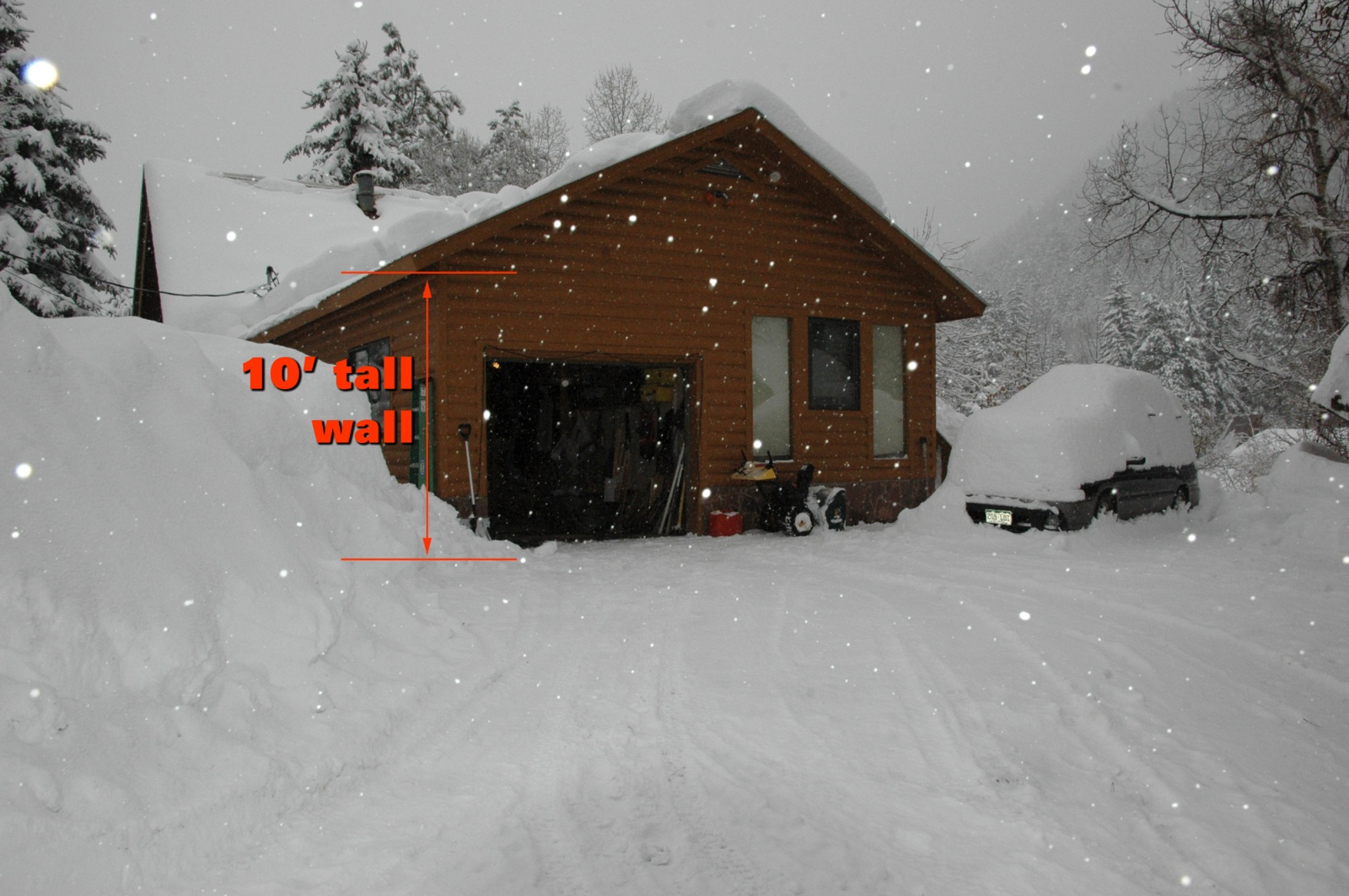 Click image for larger version  Name:garagesnow.jpg Views:135 Size:454.8 KB ID:2231
