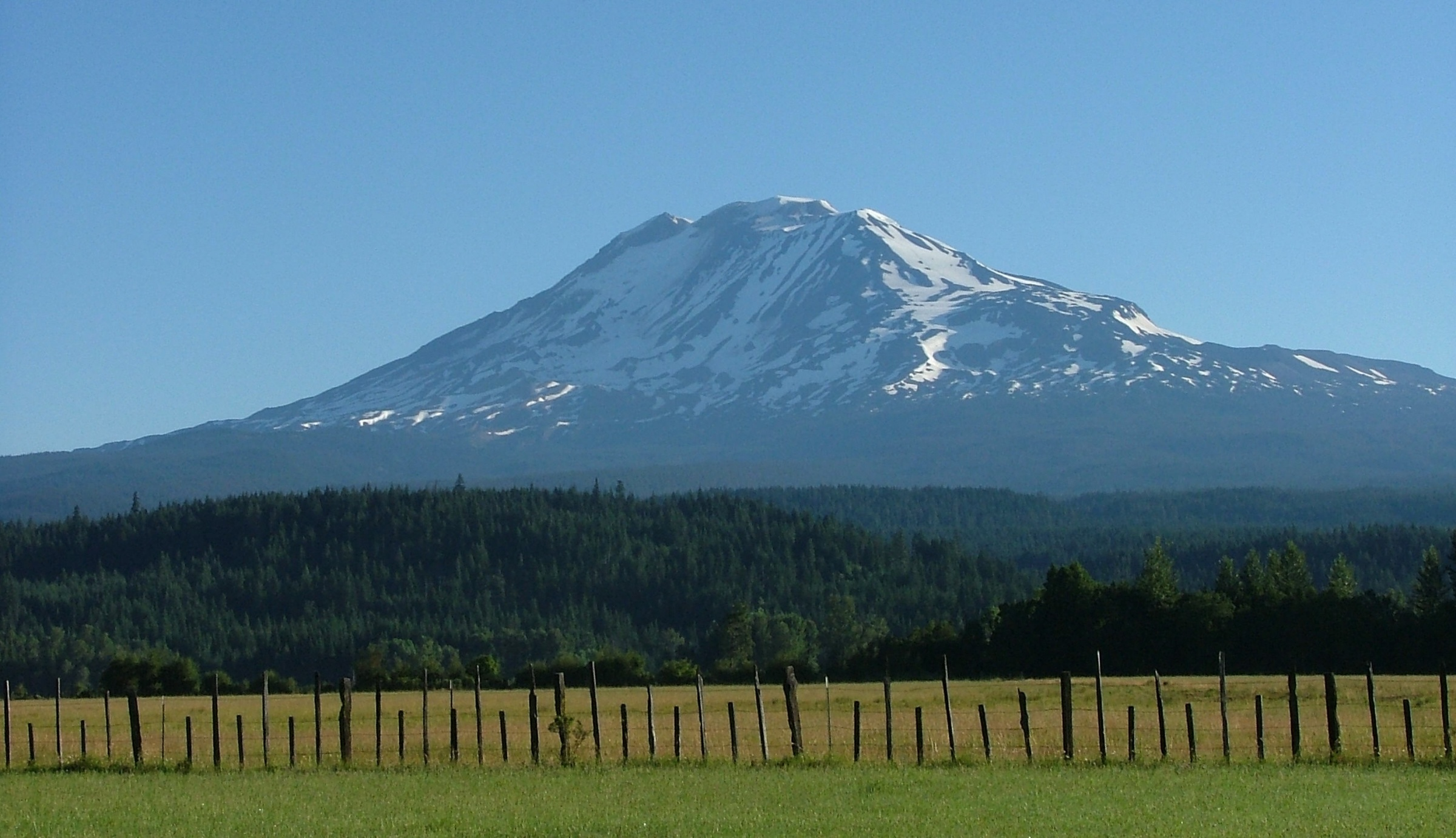 Click image for larger version  Name:Mt adams.jpg Views:146 Size:736.6 KB ID:8326