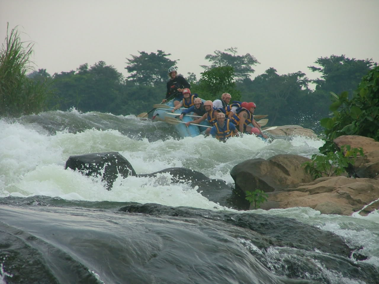 Click image for larger version  Name:nile falls.jpg Views:186 Size:164.3 KB ID:7126