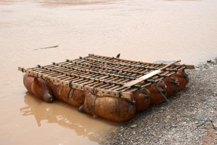 Click image for larger version  Name:pig bladder raft.jpg Views:155 Size:27.3 KB ID:9792