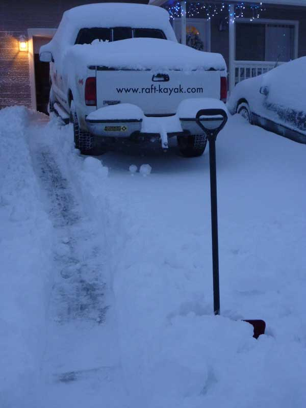 Click image for larger version  Name:snowin2.jpg Views:96 Size:24.7 KB ID:2134