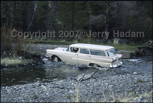 Click image for larger version  Name:wagoncrossesstream copy.jpg Views:84 Size:86.4 KB ID:2819